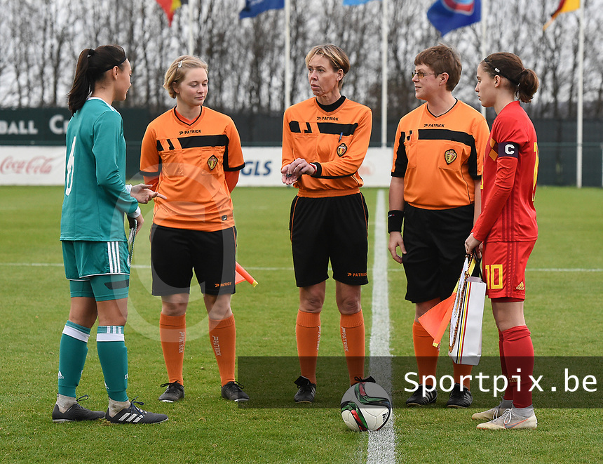 20181205 - TUBIZE , BELGIUM : captain Ria Clara Frohlich (L) and captain Marie Detruyer (R) pictured during the friendly female soccer match between Women under 15 teams of  Belgium and Gemany , in Tubize , Belgium . Wednesday 5 th December 2018 . PHOTO SPORTPIX.BE / DIRK VUYLSTEKE