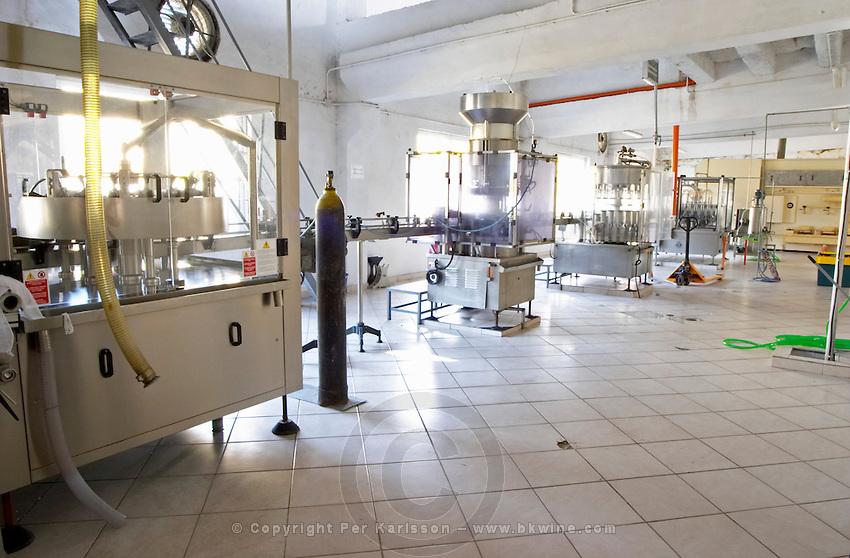 The bottling line. Kantina e Pijeve Gjergj Kastrioti Skenderbeu Skanderbeg winery, Durres. Albania, Balkan, Europe.