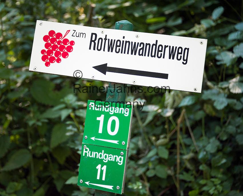Germany, Rhineland-Palatinate, Ahr-Valley, Bad Neuenahr-Ahrweiler, district Ahrweiler: sign post to 'Red Wine Hiking Trail' | Deutschland, Rheinland-Pfalz, Ahrtal, Bad Neuenahr-Ahrweiler, Stadtteil Ahrweiler: Wegweiser zum Rotweinwanderweg