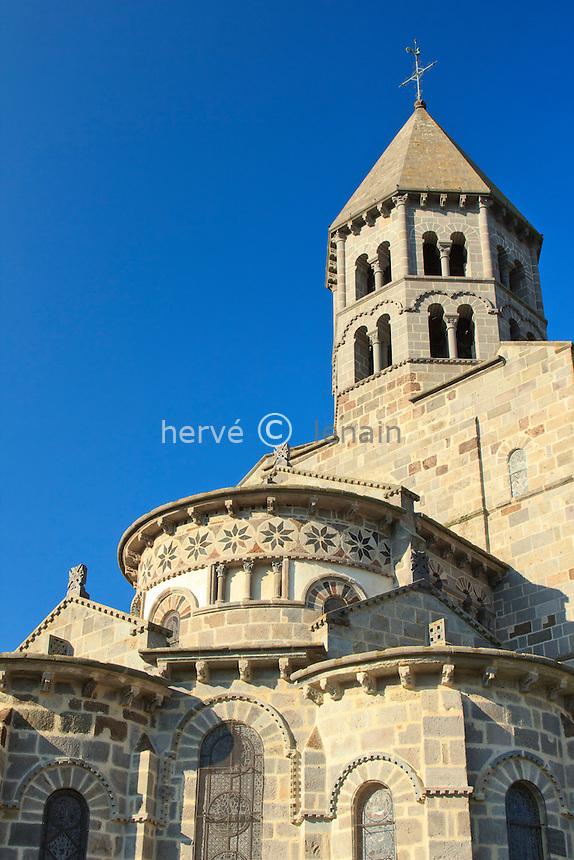 France, Puy-de-Dôme,Saint-Nectaire, l'église Saint-Nectaire, détail du chevet // France, Puy de Dome,St Nectaire, St Nectaire church, the apse