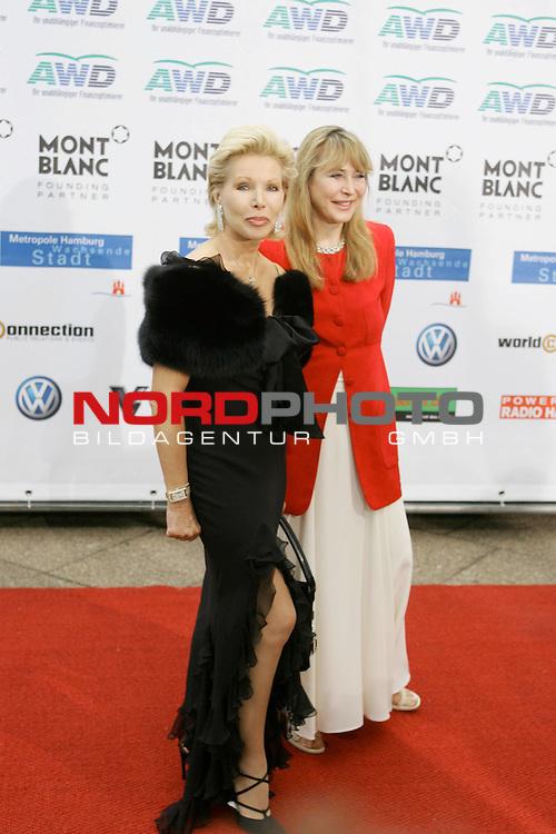 WOMENīS WORLD AWARDS<br /> <br /> Friedens-Nobelpreistr&scaron;ger Michail Gorbatschow, der Pr&scaron;sident der World Awards, im Congress Centrum Hamburg (CCH) zum ersten Mal weibliche PersŲnlichkeiten auszeichnen, die unsere Welt ver&scaron;nderten.<br /> Roter Teppich Ute-Henriette Ohoven<br /> Foto &copy; nordphoto/ Anja Heinemann<br /> <br /> <br /> <br /> <br /> <br /> <br /> <br />  *** Local Caption *** Foto ist honorarpflichtig! zzgl. gesetzl. MwSt.<br /> <br />  Belegexemplar erforderlich<br /> <br /> Adresse: nordphoto<br /> <br /> Georg-Reinke-Strasse 1<br /> <br /> 49377 Vechta