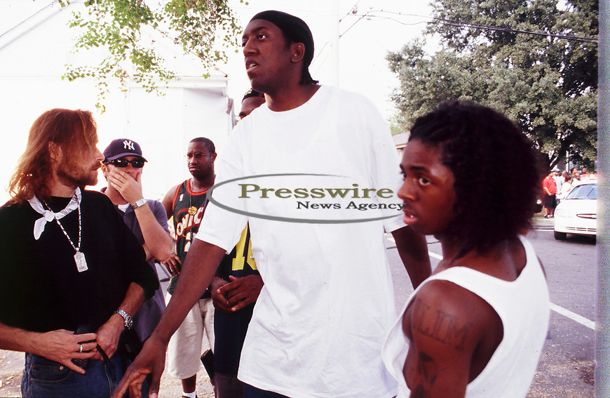 Lil Wayne, Slim, Baby aka Birdman, Stunna, Jeff Panzer on the of a Cash Money Records video shoot in New Orleans, Louisiana August 2000.  Photo credit: Presswire News/ Elgin Edmonds