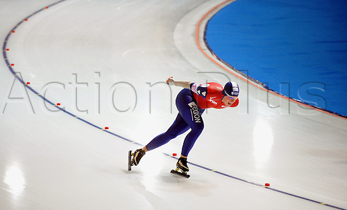 Dutch speed skater Ireen Wuest pictured during the 3000 m race at the Speed Skating World Cup in Berlin, Germany, 07 November 2009. Photo: Hendrik Schmidt/Actionplus
