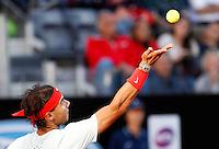 Lo spagnolo Rafael Nadal al servizio durante gli Internazionali d'Italia di tennis a Roma, 17 Maggio 2013..Spain's Rafael Nadal serves the ball during the Italian Open Tennis tournament ATP Master 1000 in Rome, 17 May 2013.UPDATE IMAGES PRESS/Isabella Bonotto