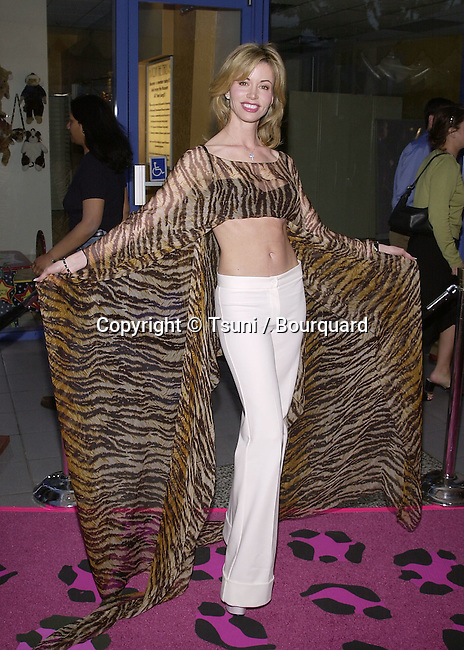 """Shaune Bagwell arriving at the premiere of """" Josie and the PussyCats"""" at the Galaxie Theatre in Los Angeles  4/9/2001BagwellShaune03A.JPG"""