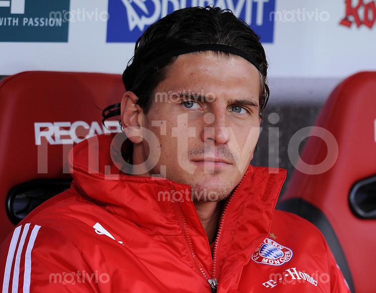 Fussball  1. Bundesliga  Saison 2009/2010   17.10.2009   9. Spieltag SC Freiburg - FC Bayern Muenchen Mario Gomez (FCB) auf der Ersatzbank