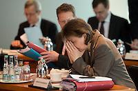 Berlin, Mittwoch (29.05.13), Die Leiterin des Büros von Bundeskanzlerin Angela Merkel (CDU), Beate Baumann, vor Beginn der Sitzung des Bundeskabinetts im Bundeskanzleramt in Berlin..Foto: Michael Gottschalk/CommonLens