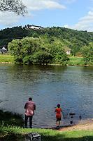 Blick von Kleinheubach nach Großheubach mit Kloster Engelberg am Main, Bayern, Deutschland