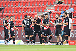 27.06.2020, Stadion an der Wuhlheide, Berlin, GER, DFL, 1.FBL, 1.FC UNION BERLIN  VS. Fortuna Duesseldorf , <br /> DFL  regulations prohibit any use of photographs as image sequences and/or quasi-video<br /> im Bild Cheftrainer Uwe Roesler (Fortuna Duesseldorf), Spielerkreis, Trinkpause<br /> <br /> <br />      <br /> Foto © nordphoto / Engler