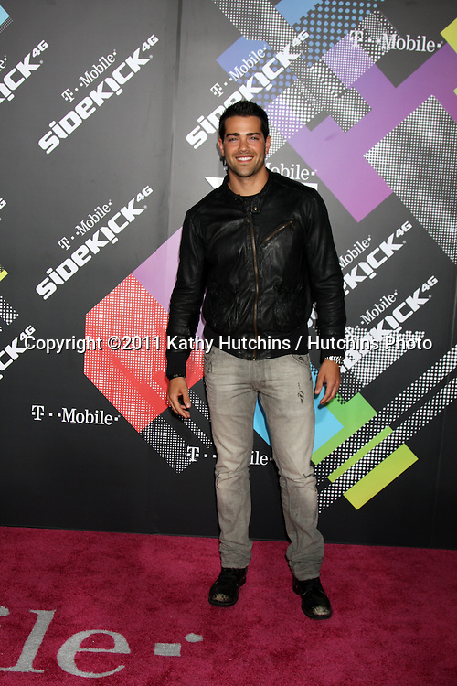 LOS ANGELES - APR 20:  Jesse Metcalfe arriving at the Launch Of The New T-Mobile Sidekick 4G  at Old Robinson/May Building on April 20, 2011 in Beverly Hills, CA..