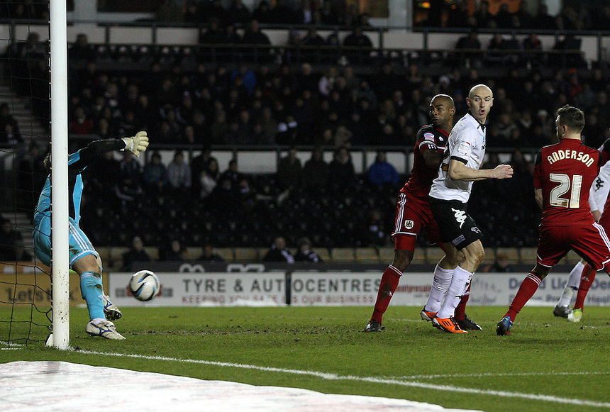 Derby County's Jeff Hendrick shot beats Bristol City's keeper Thomas Heaton .. - Credit - CameraSport - Mick Walker - .Football - npower Football League Championship - Derby County v Bristol City - Friday 29th March 2013 - Pride Park - Derby..© CameraSport - 43 Linden Ave. Countesthorpe. Leicester. England. LE8 5PG - Tel: +44 (0) 116 277 4147 - admin@camerasport.com - www.camerasport.com