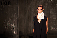 PORTO, PORTUGAL, 24.10.2014 - FASHION WEEK PORTUGAL - Modelo desfila para Spring / Summer 2015 criação do designer Português Diogo Miranda durante a edição 35rd de Portugal Fashion Week, na Alfândega do Porto, Portugal, em 24 de outubro de 2014 (Foto: Pedro Lopes/ Brazil Photo Press).