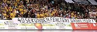 EHF Champions League Handball Damen / Frauen / Women - HC Leipzig HCL : SD Itxako Estella (spain) - Arena Leipzig - Gruppenphase Champions League - im Bild: Die Botschaft der Fans an den Mitteldeutschen Rundfunk, der die Übertragung des Spiels gegen Buxtehude 40 Sekunden vor Abpfiff unterbrach, da die Sendezeit vorbei war. Transparent Banner Message. Foto: Norman Rembarz .