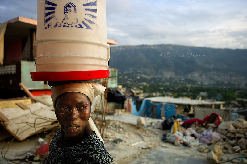 Port au Prince, Haiti, April 16, 2010.Fort National is one of the most severely hit area of the city, almost nothing stands; 3 months after the earthquake, international help has still to reach this neighboorhood, less than a kilometer from the city center.