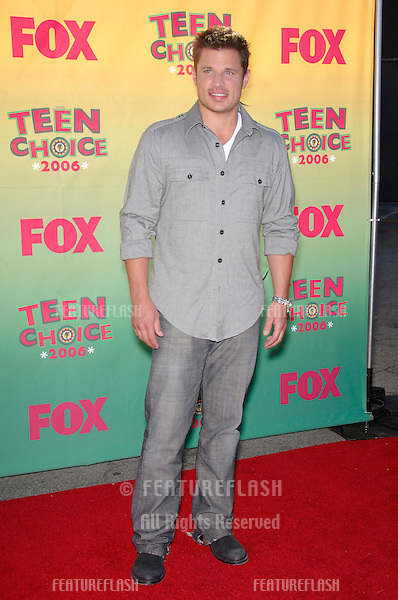 Singer NICK LACHEY at the 2006 Teen Choice Awards at Universal City, Hollywood.20AUG2006  Los Angeles, CA.© 2006 Paul Smith / Featureflash