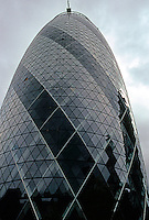 Sir Norman Foster: 30 St. Mary Ax  (Gherkin). Opened 2004.  Photo '05.