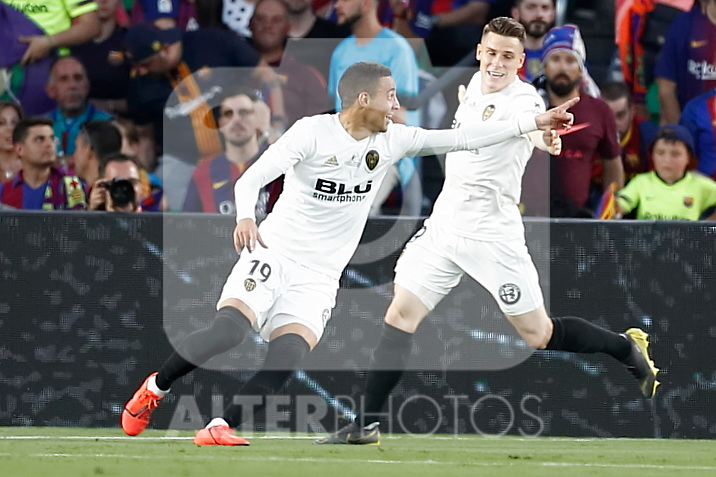 Valencia CF's Rodrigo Moreno (l) and Kevin Gameiro celebrate goal during Spanish King's Cup Final match. May 25,2019. (ALTERPHOTOS/Carrusan)