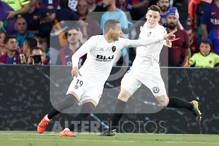 Valencia CF's Rodrigo Moreno (l) and Kevin Gameiro celebrate goal during Spanish King's Cup Final match. May 25,2019. (ALTERPHOTOS/Carrusan)