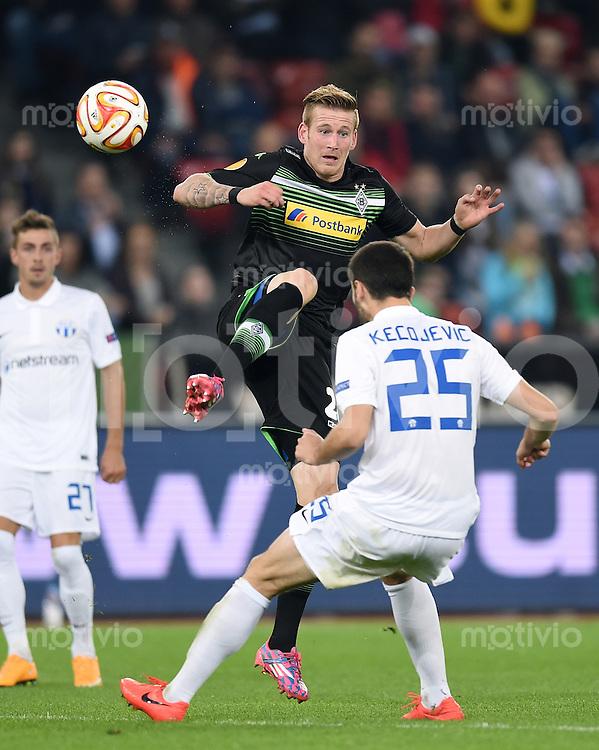 FUSSBALL   INTERNATIONAL   UEFA EUROPA LEAGUE   SAISON 2014/2015 FC Zuerich - VfL Borussia Moenchengladbach    02.10.2014 Andre Hahn (li, Borussia Moenchengladbach) gegen Ivan Kecojevic (FC Zuerich)