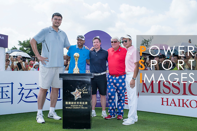 (L-R) Yao Ming, Allen Iverson, Robbie Fowler, John Daly, and Tenniel Chu at the 1st hole during the World Celebrity Pro-Am 2016 Mission Hills China Golf Tournament on 22 October 2016, in Haikou, China. Photo by Marcio Machado / Power Sport Images
