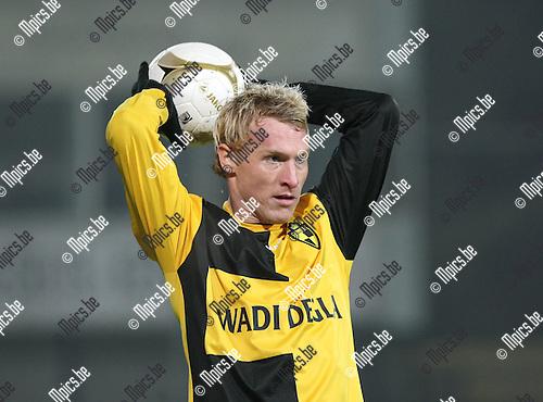 2010-01-16 / Voetbal / seizoen 2009-2010 / Lierse SK - OH Leuven / Roel Van Hemert..Foto: mpics