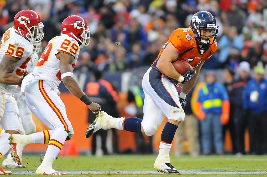 14 NOVEMBER 2010:  Broncos running back  Spencer Larsen  during a regular season National Football League game between the Kansas City Chiefs and the Denver Broncos at Invesco Field at Mile High in Denver, Colorado. The Broncos beat the Chiefs 49-29.