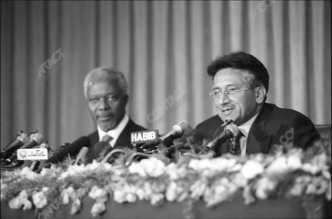 General Pervez Musharraf, Military ruler of Pakistan with UN Secretary General Kofi Annan.March 2001.Pakistan