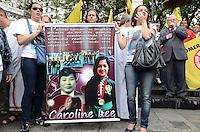 ATENCAO EDITOR: FOTO EMBARGADA PARA VEICULOS INTERNACIONAIS. SAO PAULO, SP, 26 DE NOVEMBRO DE 2012 - Manifestacao do movimento Paulistanos pela Paz contra a violencia, no Patio do Colegio, regiao central, no inicio da tarde desta segunda feira, 26. O ato ecumenico contou com a presenca de diversos lideres religiosos e familiares de vitimas da violencia. A leitura de um documento redigido em conjunto na Câmara Municipal de São Paulo foi realizada e copias foram distribuidas a populacao.  FOTO: ALEXANDRE MOREIRA - BRAZIL PHOTO PRESS.