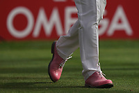 Scott Hend (AUS) 'pink shoes for pink Thursday' in action during the second round of the Omega Dubai Desert Classic, Emirates Golf Club, Dubai, UAE. 25/01/2019<br /> Picture: Golffile | Phil Inglis<br /> <br /> <br /> All photo usage must carry mandatory copyright credit (© Golffile | Phil Inglis)