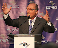 ATENCÃO EDITOR: FOTO EMBARGADA PARA VEICULO INTERNACIONAL - SÃO PAULO, SP, 05 NOVEMBRO 2012 - TRANSFERÊNCIA DO ED ERMÍNIO DE MORAES PARA O GOVERNO DO ESTADO   - O governador Geraldo Alckmin assinou nessa segunda-feira, o termo de transferência do Edifício Ermírio de Moraes para o Governo do Estado. O prédio, localizado na praça Ramos de Azevedo, abrigará a Secretaria da Agricultura e faz parte do plano de revitalização do centro de São Paulo. Na região central da cidade nessa, segunda 5. (FOTO: LEVY RIBEIRO / BRAZIL PHOTO PRESS)