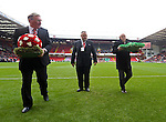 Tony Currie and Len Badger lay wreaths for Martyn Harrison and Alan Hodgkinson - Sheffield United vs Coventry City - SkyBet League One - Bramall Lane - Sheffield - 13/12/2015 Pic Philip Oldham/SportImage
