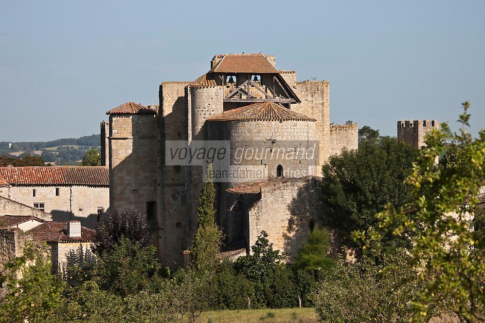 Europe/France/Midi-Pyrénées/32/Gers/Larressingle: Plus petite cité fortifiée de France - Chevet de l'église -Plus Beaux Villages de France