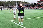V&auml;llingby 2014-03-30 Fotboll Allsvenskan IF Brommapojkarna - Kalmar FF :  <br /> Kalmars M&aring;ns S&ouml;derqvist tackar tillresta Kalmar supportrar efter matchen<br /> (Foto: Kenta J&ouml;nsson) Nyckelord:  BP Brommapojkarna Grimsta Kalmar KFF jubel gl&auml;dje lycka glad happy
