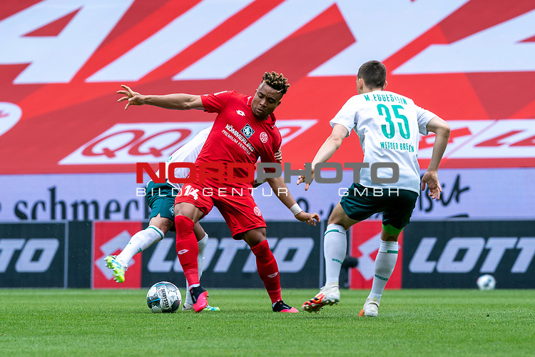 Yuya Osako (Werder Bremen #08), Kunde Malong (FSV Mainz 05 #14)<br /> <br /> <br /> Sport: nphgm001: Fussball: 1. Bundesliga: Saison 19/20: 33. Spieltag: 1. FSV Mainz 05 vs SV Werder Bremen 20.06.2020<br /> <br /> Foto: gumzmedia/nordphoto/POOL <br /> <br /> DFL regulations prohibit any use of photographs as image sequences and/or quasi-video.<br /> EDITORIAL USE ONLY<br /> National and international News-Agencies OUT.