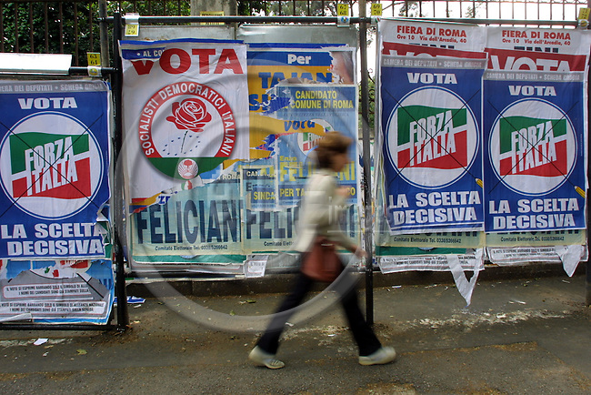 ROME - ITALY - 04 - MAY 2001--Election advertisment for the general elections 2001. -- PHOTO: JUHA ROININEN / EUP-IMAGES