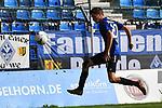 Waldhofs Jannik Sommer (Nr.20) bei der Ballannahme beim Spiel in der Regionalliga Suedwest, SV Waldhof Mannheim - Kickers Offenbach.<br /> <br /> Foto &copy; PIX-Sportfotos *** Foto ist honorarpflichtig! *** Auf Anfrage in hoeherer Qualitaet/Aufloesung. Belegexemplar erbeten. Veroeffentlichung ausschliesslich fuer journalistisch-publizistische Zwecke. For editorial use only.