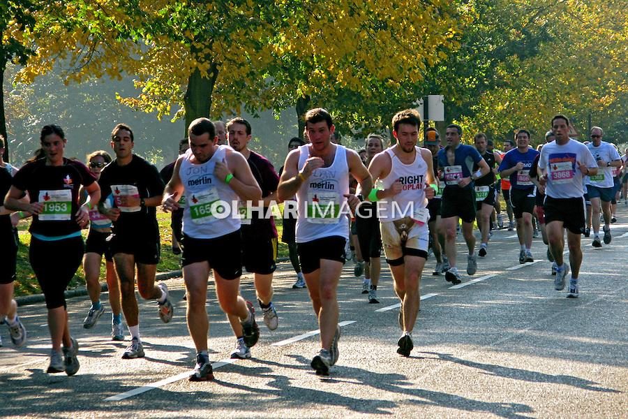 Prova da Maratona no parque Hyde Park. Londres. Inglaterra. 2008. Foto de Juca Martins.