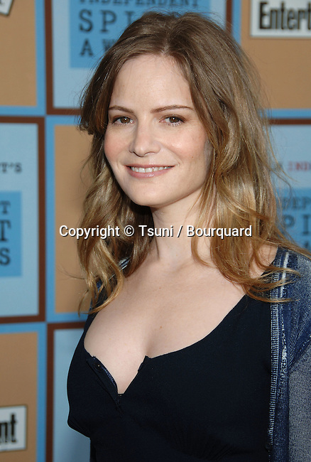 Jennifer Jason Leigh arriving at the 21th Independent Spirit Awards on Santa Monica Beach  in Los Angeles March 4th, 2006.