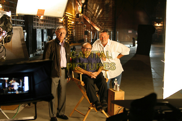 PETER BART (WRITER), DANNY DE VITO & BILL COUTOURIE (DIRECTOR).on the set of Boffo! Tinseltown's Bombs and Blockbuster.*Editorial Use Only*.www.capitalpictures.com.sales@capitalpictures.com.Supplied by Capital Pictures.