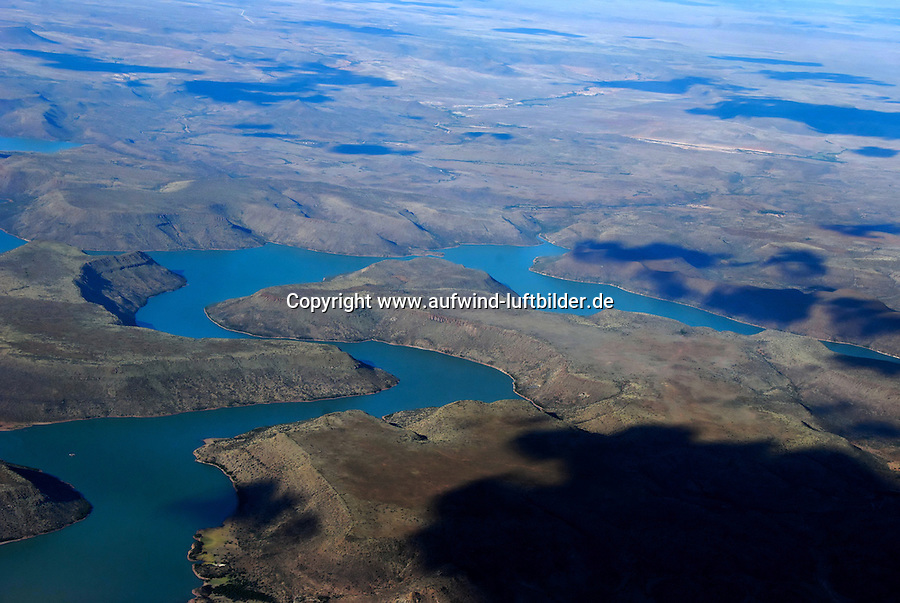 Vanderkloof Dam: AFRIKA, SUEDAFRIKA, ORANGE FREE STATE, VANDERKLOOF, 21.12.2007: Staudamm vom Oranje River - Aufwind-Luftbilder / VISUM - Stichworte: Suedafrika, Vanderkloof, Staudamm, Staubecken, Gariep, Orange, River, See, Stausse, Bewaesserung, Damm, Strom, Erzeugung, Wasserkraft, Trinkwasser, Freizeit, Natur, Beobachtung, Landschaft, Fluss, gewunden, Wasser, Karoo, Wasserreserve, Bewaesserung, Stromerzeugung, Natur, Landschaft, Muster, Musterung, erhaben, Stromerzeugung # , forebay, water, sea, medical examination, physical, observance, observation, ow_visum, sea wall, embankment, barrage, orange, august, convex, convexly, elevated, illustrious, loftily, lofty, sublime, sublimely, fill dam, Vanderkloof, Gariep, drinking water, irrigation, nature, manufacturing, manufacture, production, waterpower, hydraulic power, leisure time, vacation time, recreation, electric power production, electricity generation, Stausse, Wasserreserve, landscape, scene, scenery, model, trial, shape, twist, wind, winding, stream, flow, current, south africa, flood, river # # , forebay, water, sea, medical examination, physical, observance, observation, ow_visum, sea wall, embankment, barrage, orange, august, convex, convexly, elevated, illustrious, loftily, lofty, sublime, sublimely, fill dam, Vanderkloof, Gariep, drinking water, irrigation, nature, manufacturing, manufacture, production, waterpower, hydraulic power, leisure time, vacation time, recreation, electric power production, electricity generation, Stausse, Wasserreserve, landscape, scene, scenery, model, trial, shape, twist, wind, winding, stream, flow, current, south africa, flood, river, Aufwind-Luftbilder