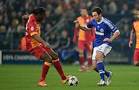 FUSSBALL  CHAMPIONS LEAGUE  ACHTELFINALE  Rueckspiel  2012/2013      FC Schalke 04 - Galatasaray Istanbul                   12.03.2013 Marco Hoeger (re, FC Schalke 04) gegen Didier Drogba (li, Galatasaray Istanbul)