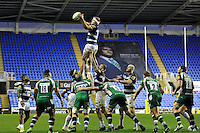 Tom Ellis of Bath Rugby wins the ball at a lineout. Aviva Premiership match, between London Irish and Bath Rugby on November 7, 2015 at the Madejski Stadium in Reading, England. Photo by: Patrick Khachfe / Onside Images