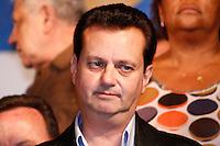 ATENÇÃO EDITOR: FOTO EMBARGADA PARA VEÍCULOS INTERNACIONAIS. SAO PAULO, 29 DE SETEMBRO DE 2012. ELEICAO 2012 SP - CAMPANHA JOSE SERRA. O  prefeito de Sao Paulo, Gilberto Kassab, durante comicio do candidato do PSDB, Jose Serra,  na tarde deste sabado no Largo Treze de Maio, Santo Amaro, na zona sul da capital paulista   FOTO ADRIANA SPACA/BRAZIL PHOTO PRESS