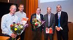 UTRECHT _ Algemene Ledenvergadering Utrecht, van de KNHB. Voor zitter Erik Cornelissen met vertegenwoordigers van de nieuwe fusieclubs. Copyright Koen Suyk