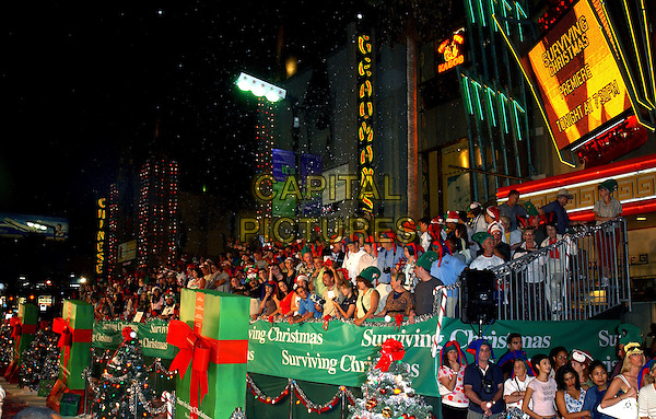 "FANS - CROWD.World Premiere of ""Surviving Christmas"" held at The Grauman's Chinese Theatre in Hollywood, California .October 14, 2004 .www.capitalpictures.com.sales@capitalpictures.com.©Debbie VanStory"