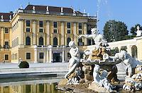 spätbarocke Sommerresidenz Schloss Schönbrunn, Wien, Österreich, UNESCO-Weltkulturerbe<br />  late Baroque summerresidence Schloss Schönbrunn, Vienna, Austria, world heritage
