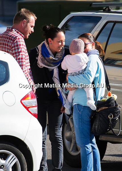 12 JULY 2015 SYDNEY AUSTRALIA<br /> <br /> Kate Ritchie pictured with her daughter Mae out and about in Coogee.