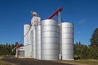 Palouse Grain Growers elevator in the town of Palouse Washington.
