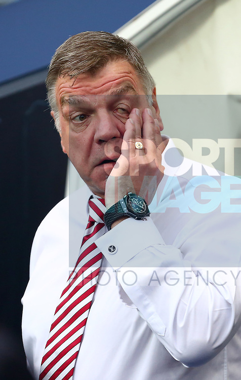 Manager of Sunderland, Sam Allardyce dejected- Manchester City vs Sunderland - Barclays Premier League - Etihad Stadium - Manchester - 26/12/2015 Pic Philip Oldham/SportImage