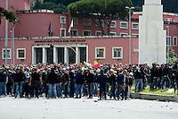 Roma 26 Maggio 2013.I tifosi della A.S. Roma  davanti allo stadio Olimpico in attesa dei entrare per la finale di Coppa Italia con la Lazio..Italy Cup final, Roma ultras outside the Olimpic Stadium